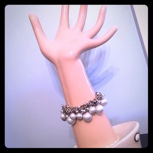 Jewelry - Beautiful silver and pearl bracelet